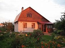 Уютный  дом в тихом месте у реки