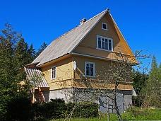 Дом  в поселке Горьковское .
